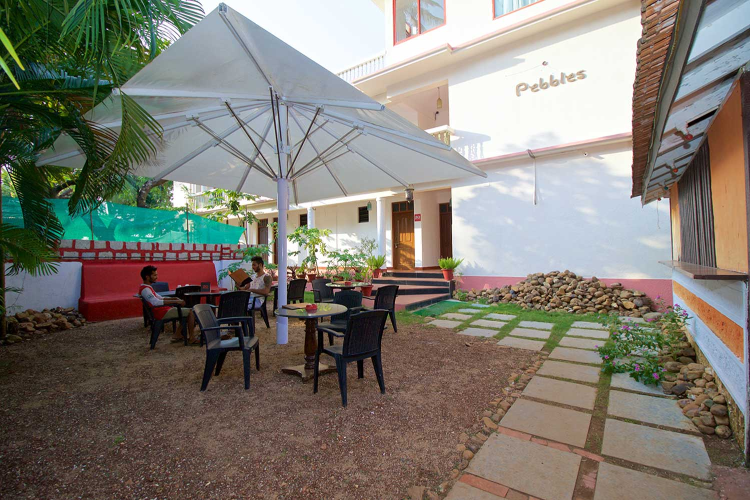 Pebbles-Anjuna-Guesthouse-B&B-Front-Facade-and-Restaurant